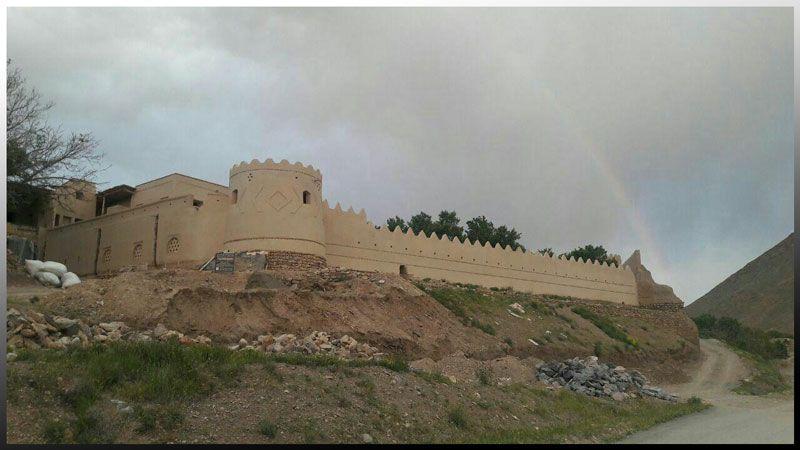 قلعه ماه نشان روستای وانشان